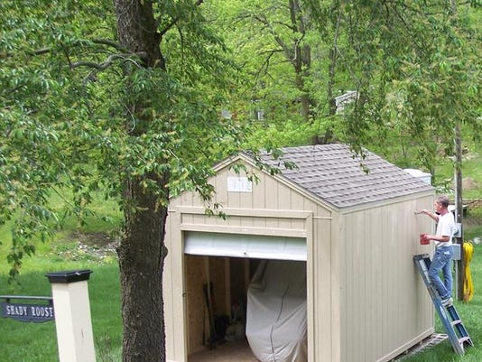 family owned iowa sheds constructs backyard buildings year round