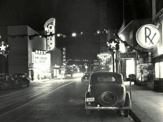 Fourth Street and the Roxy Theatre in 1946.
