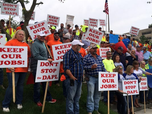 636077194319189775-Pipeline-Workers-IUB-Aug.-25-2016.jpg
