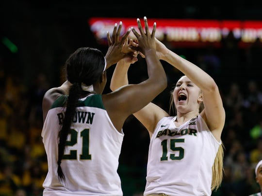 Baylor Bears center Kalani Brown (21) and forward Lauren