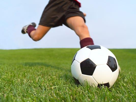 635798174104199602-soccer