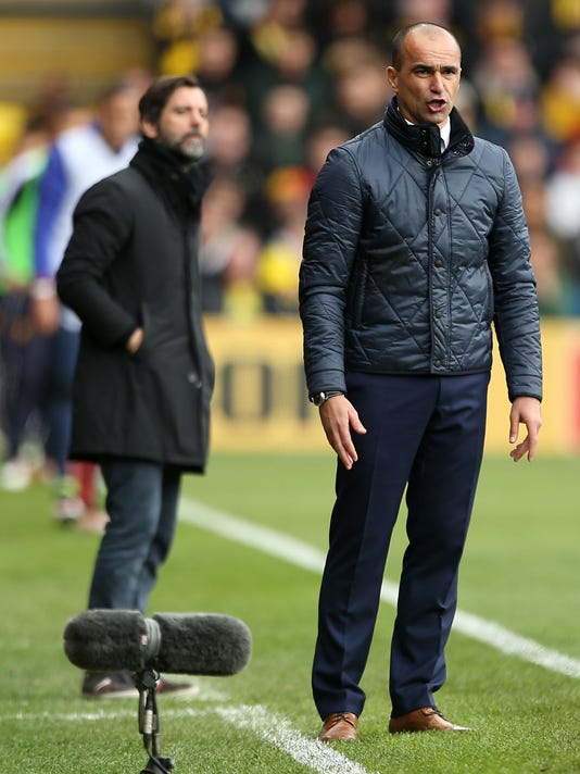 Everton manager Roberto Martinez during the Engish Premier League soccer match between Watford FC and Everton FC at Vicarage Road,in Watford, England. April 9, 2016. (Steve Paston /PA via AP) UNITED KINGDOM OUT - NO SALES - NO ARCHIVES