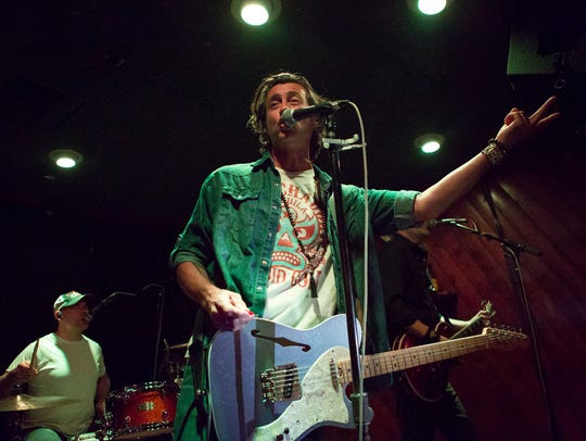 """Roger Clyne & the Peacemakers revisiting """"Fizzy Fuzzy"""