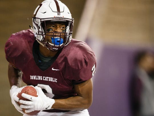 Dowling's Jayson Murray (2) led all of Class 4A with 1,947 rushing yards last season.
