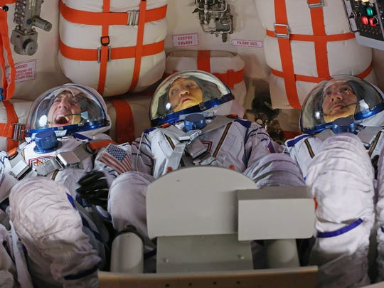 They say that in space, no one can hear you scream. But within the cramped confines of a Soyuz capsule, they can hear you just fine,  as Howard (Simon Helberg, left) found out in Season 5.