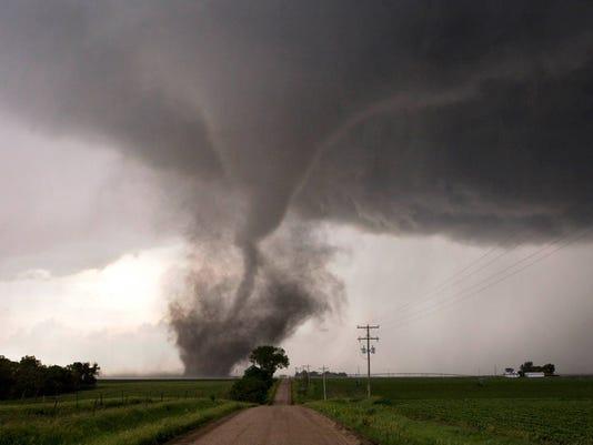 636584511287900649-FON-tornado-062011-dcr001.jpg