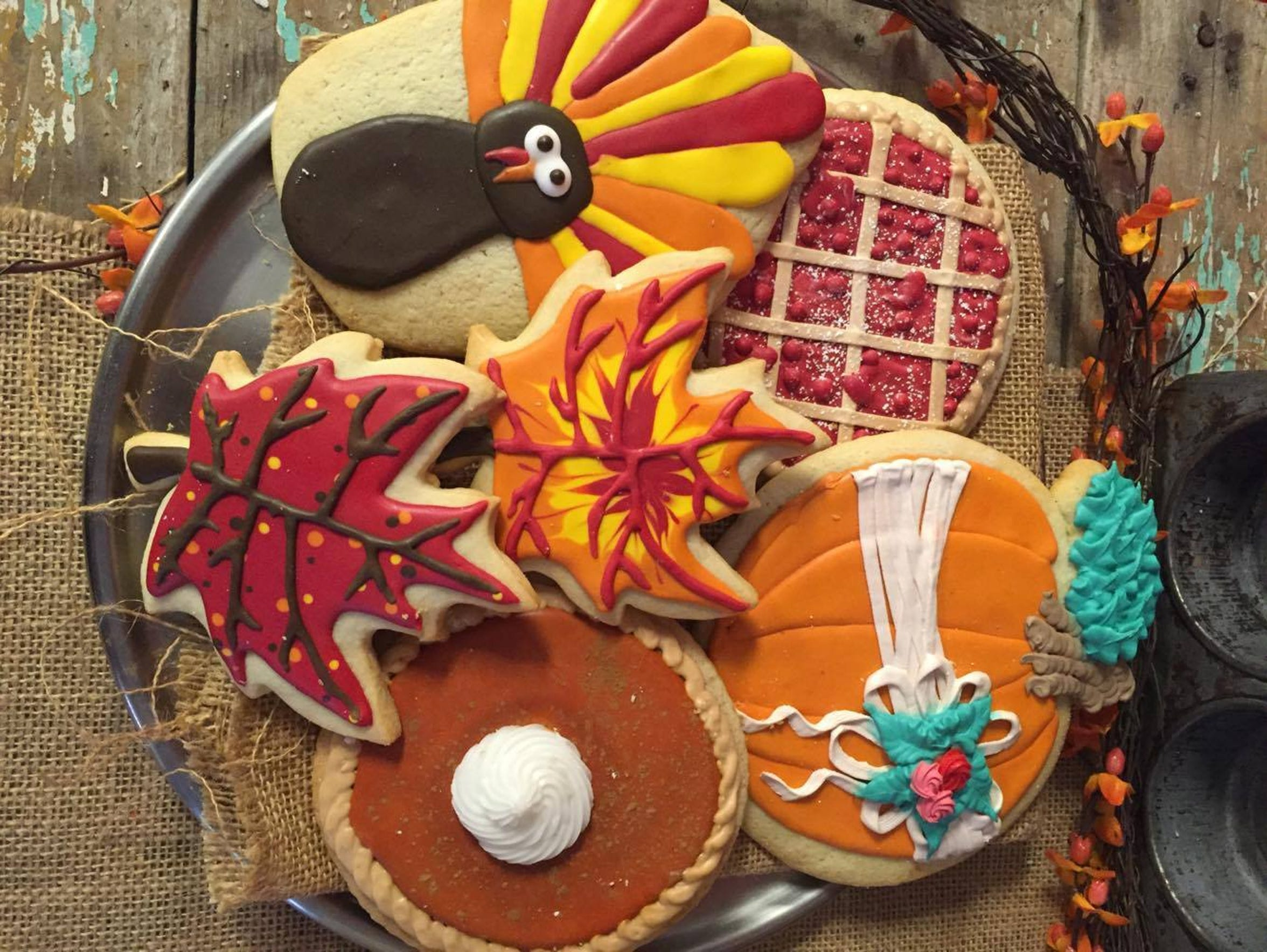 Sweet Lola's will offer a cookie decorating class this