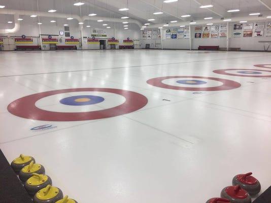 636204294484408550-curling.jpg