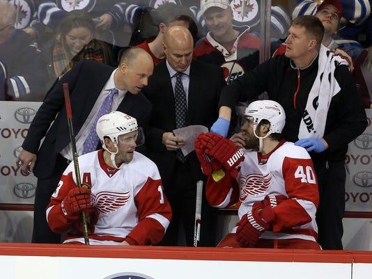 635931362538771904-AP-Red-Wings-Jets-Hockey-WPG.jpg