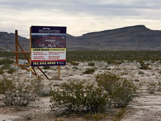 A sign advertises Mountain View Industrial Park near Apex Industrial Park on Wednesday, Dec. 9, in North Las Vegas. Chinese-backed electric carmaker Faraday Future plans to build a manufacturing plant near the site, according to a letter the company sent Nevada officials Wednesday.