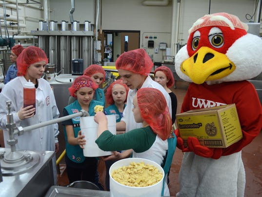 Girl-Scouts-UWRF-ice-cream-in-DPP.jpg