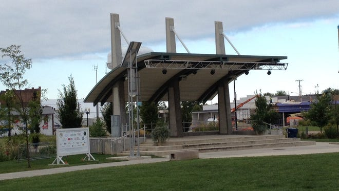 Canan Commons stage