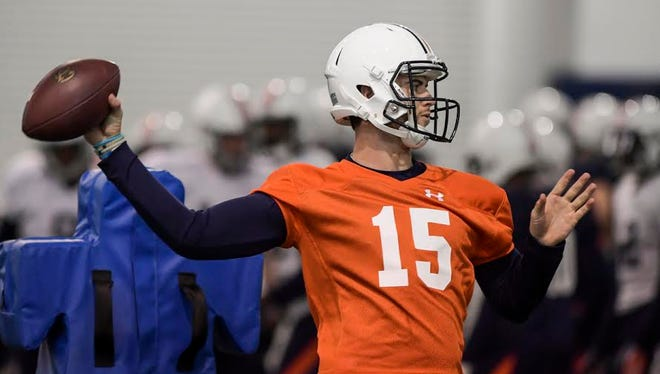Auburn quarterback Jarrett Stidham throws a pass in his first bowl practice since signing with the Tigers program on Dec. 14.