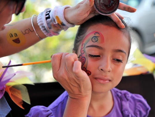 0530 Face painting - file photo