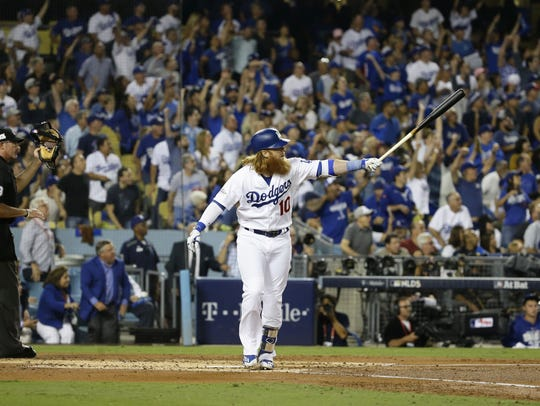 Dodgers third baseman Justin Turner crushes a three-run