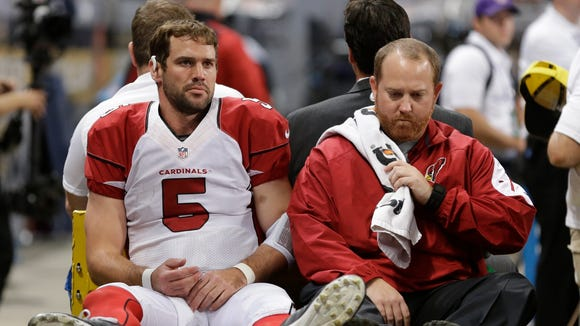 Arizona Cardinals quarterback Drew Stanton leaves the