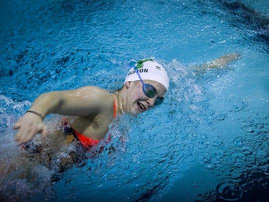 MNI 1124 laurenswimming 040.JPG