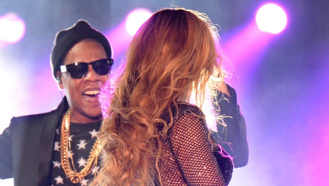 Beyonce and Jay-Z's stage outfits were carefully coordinated black and white during their On The Run II tour.