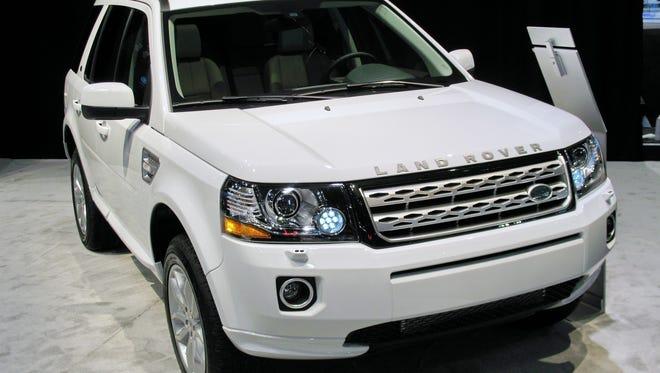 2015-Land-Rover-LR2-SUV