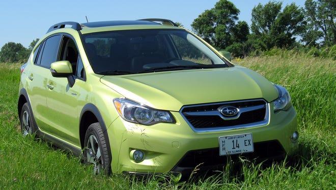 2015-Subaru-XV-Crosstrek-hybrid-crossover