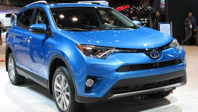 2016 Toyota RAV4 Hybrid crossover