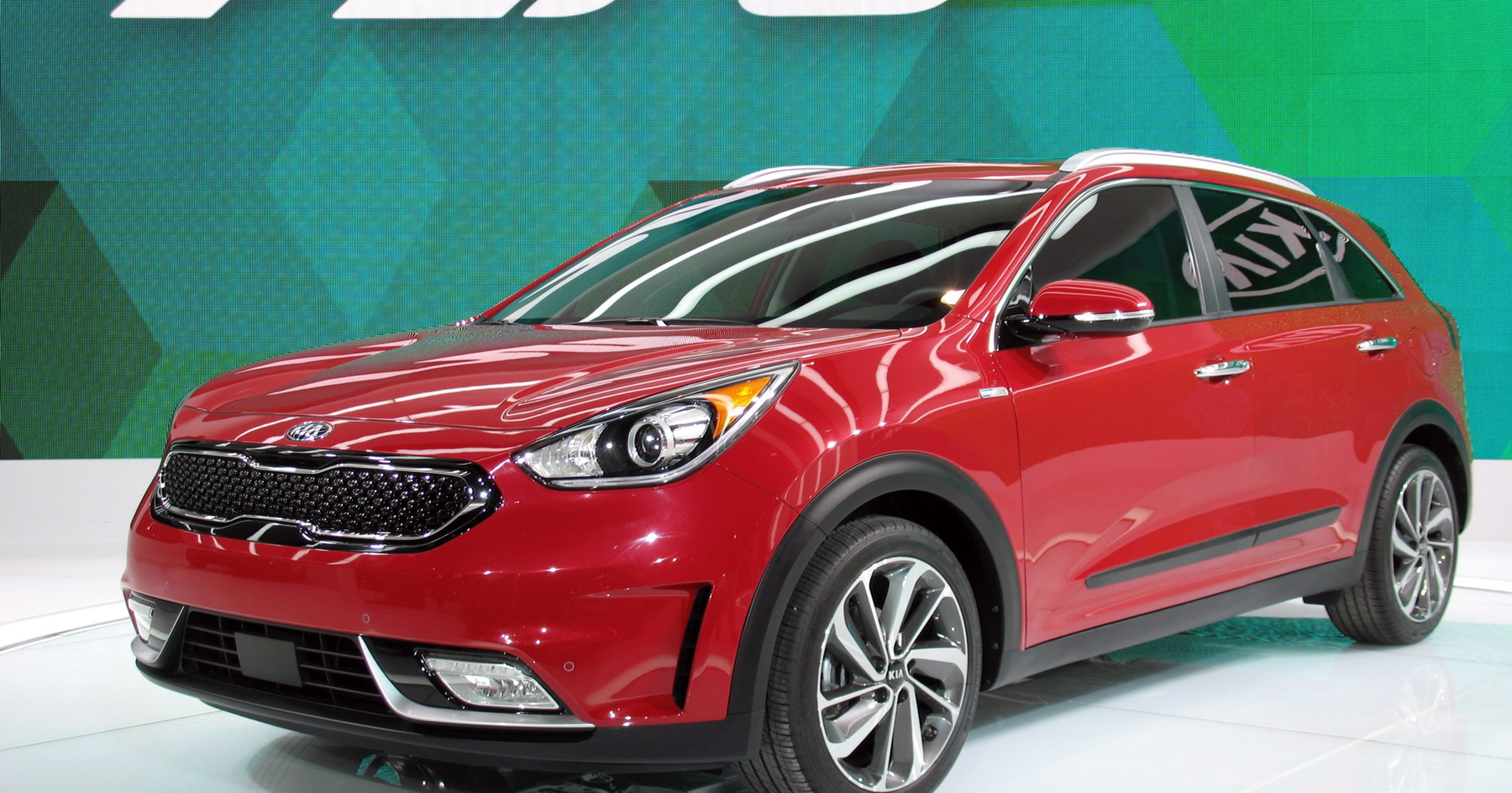 2017 Kia Niro Hybrid Utility Vehicle Is Clean And Versatile