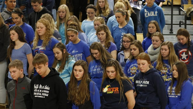 Valders students wear blue in honor of Roncalli's biggest fan Nick Aerts Thursday, Dec. 22, 2016 in Manitowoc, Wis. Aerts unexpectedly passed away Wednesday morning. Josh Clark/USA TODAY NETWORK-Wisconsin
