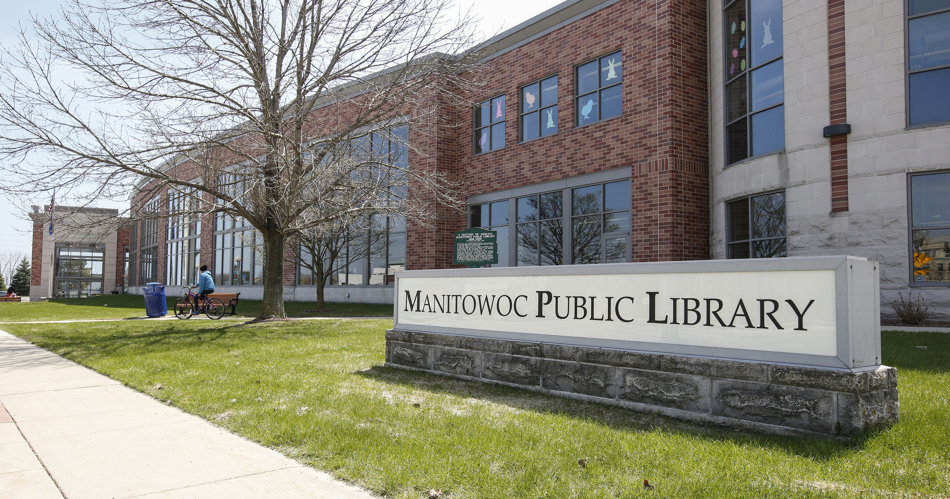 Books, DVDs for $1 or less at Manitowoc library's Used Book Sale