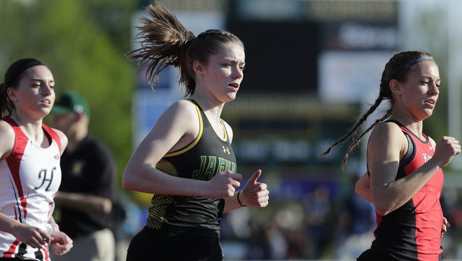 Ashwaubenon's Sage Wagner runs in the 1600m race in a WIAA Division 1 track sectional meet at Donald J. Schneider Stadium on Thursday, May 25, 2017, in De Pere, Wis. Wagner placed 2nd in the race to qualify for the state tournament with a time of 5:09.68. Adam Wesley/USA TODAY NETWORK-Wisconsin
