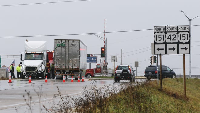 A semi truck on the Interstate 43 southbound exit ramp at Calumet Avenue Thursday, Nov. 2, in Manitowoc.