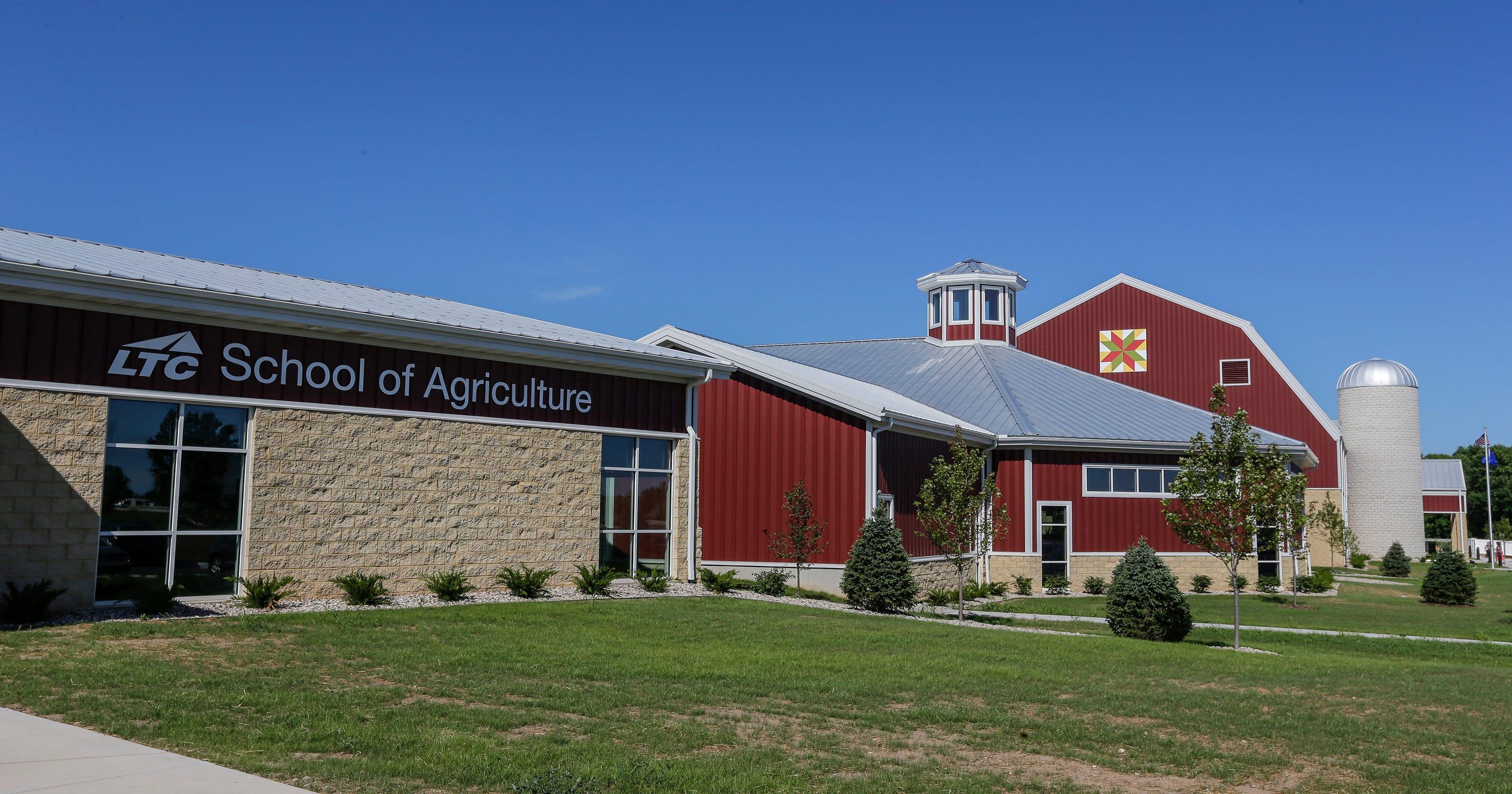 Car Wash Barn >> Manitowoc Business News Farm Wisconsin Discovery Center