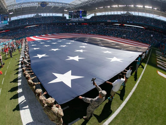 USP NFL: TAMPA BAY BUCCANEERS AT MIAMI DOLPHINS S FBN MIA TB USA FL