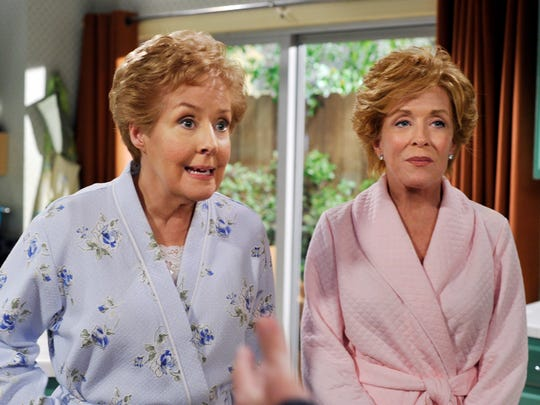 "Georgia Engel, left, with Holland Taylor, guest played on ""Two and a Half Herren""."