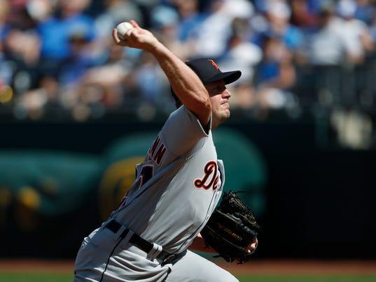 636611377881925776-AP-Tigers-Royals-Baseball-MO.jpg