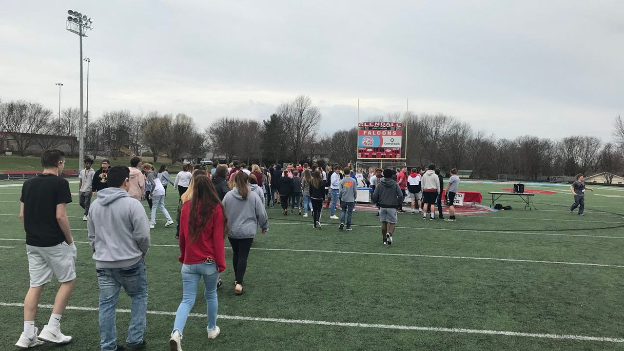 Students walk out at Glendale High