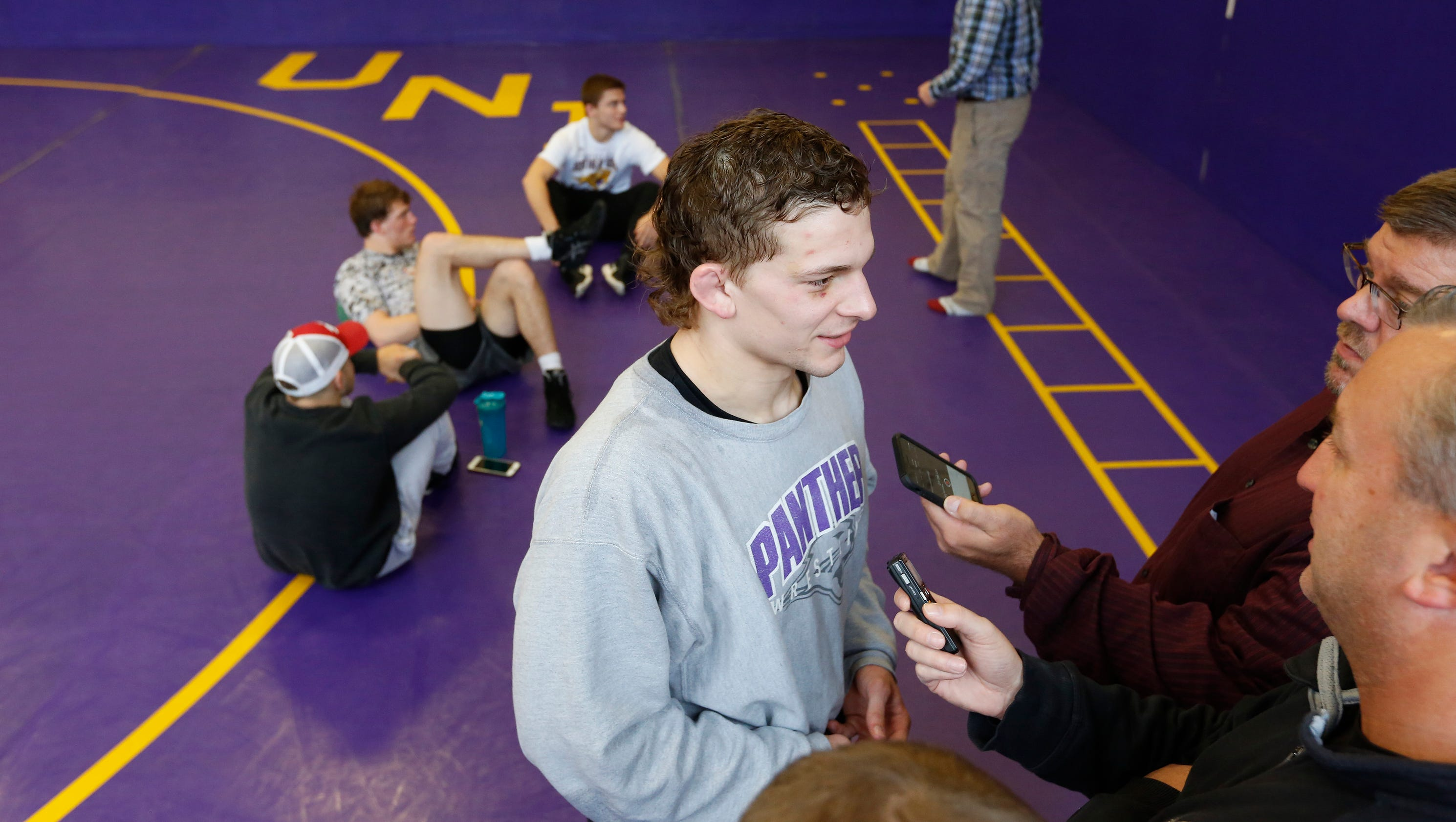 636451614968091083-110117mp-uni-wrestling-media-day-8