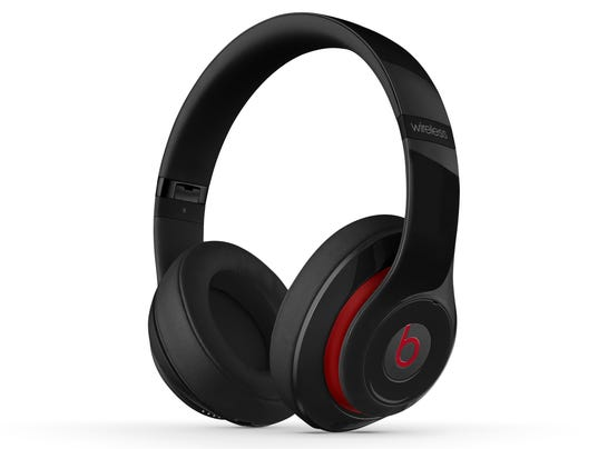 studio-wireless-black-quarter