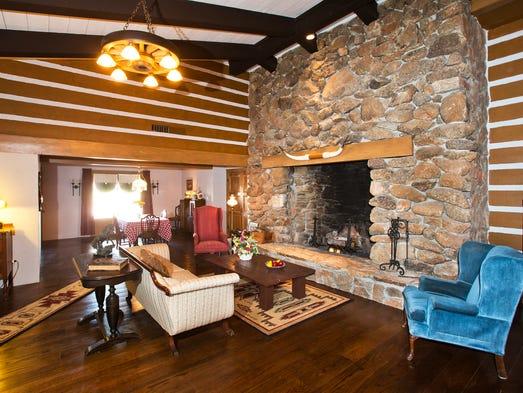 Lorne Greene S Bonanza House In Mesa Gets Historic