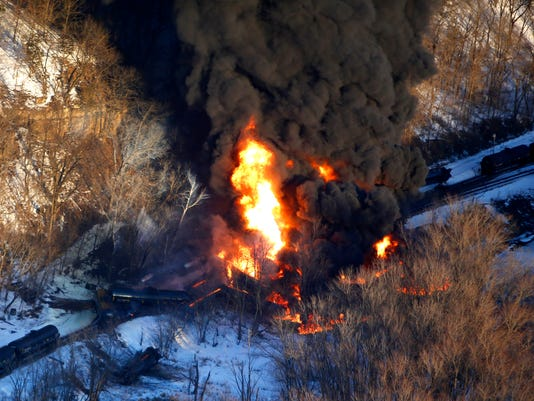 APTOPIX Oil Train Derailment-Illinois