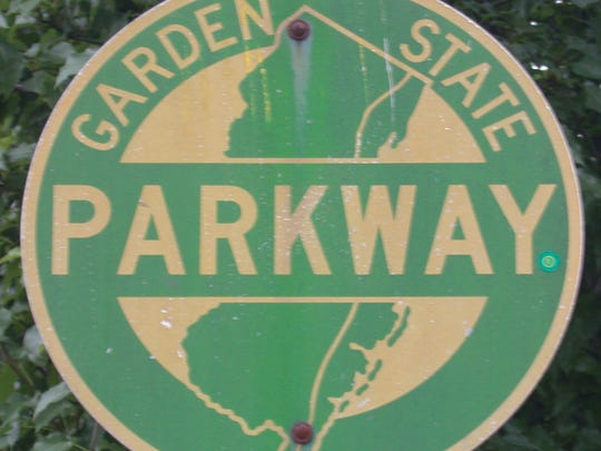 NJ traffic: Half-hour delays on Garden State Parkway, Route 287