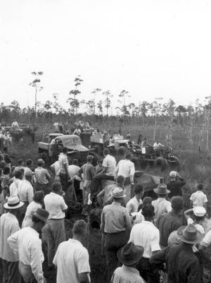 Naples' Swamp Buggy Day races, 1949