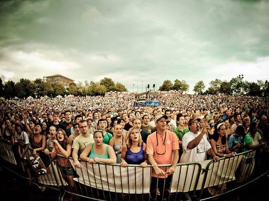 Festival_Crowd_PhotoBy_Joe-DelTufo.jpg