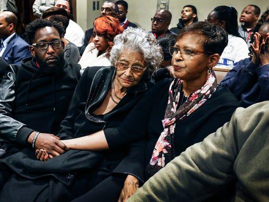 Family members of former NBA star Lorenzen Wright,