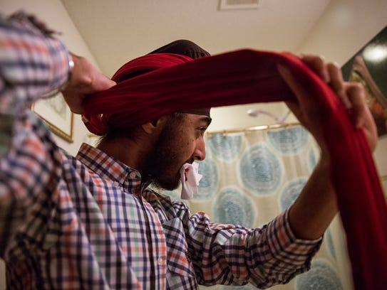 JJ Singh Kapur wraps a 15-foot long cotton cloth around