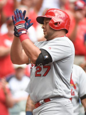 Cardinals third baseman Jhonny Peralta (27) reacts after hitting a solo home run in the second inning against the Milwaukee Brewers at Miller Park.