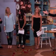 Lisa Kudrow, Courtney Cox and Jennifer Aniston turned the clock back during a mini Friends reunion on Jimmy Kimmel.
