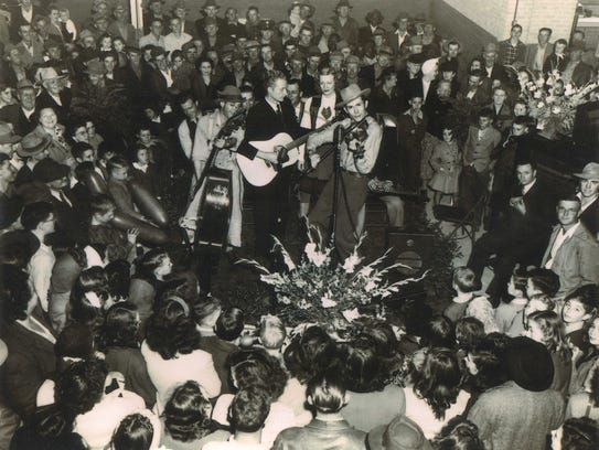 Hank Williams at the opening of a Chevrolet dealership