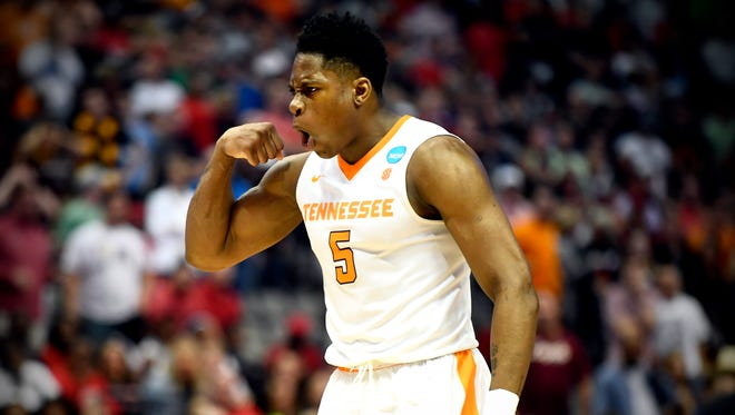 Admiral Schofield averaged 13.9 points and 6.5 rebounds per game last season.