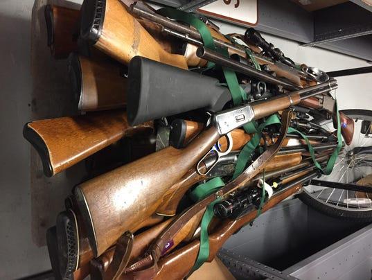 auction guns.jpg_20150727.jpg