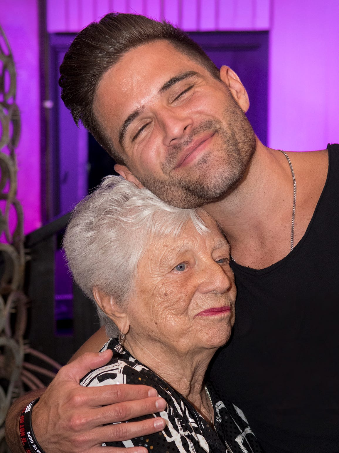 """Barbara """"Mother"""" Hubbard gets a warm embrace from Nashville"""